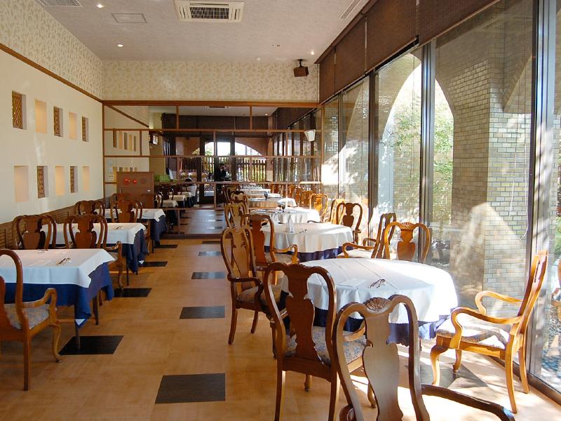 レストラン「シャンリー」